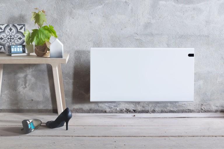Električni stenski radiator za varčno ogrevanje